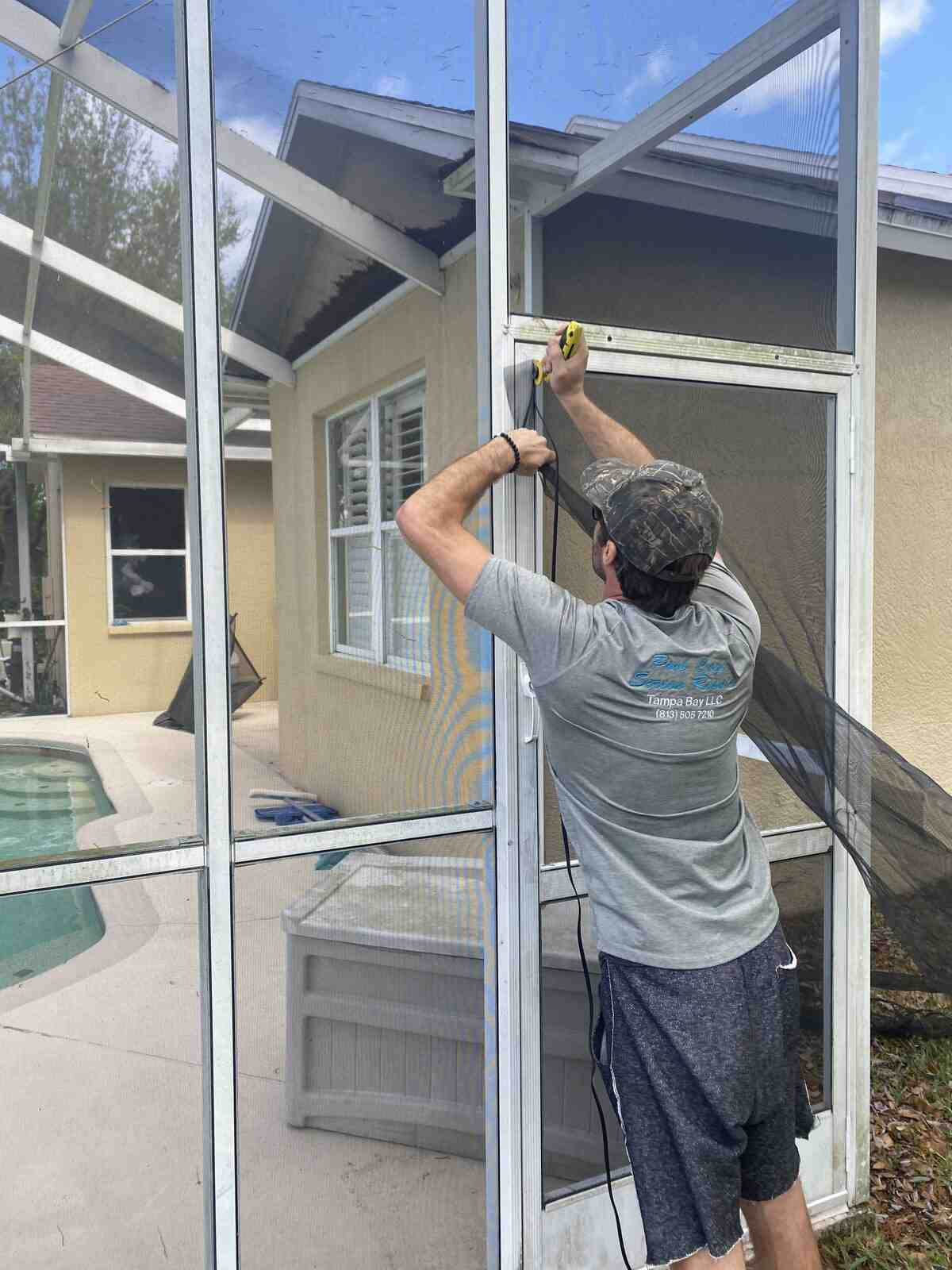 Best Pool Cage Repair Team