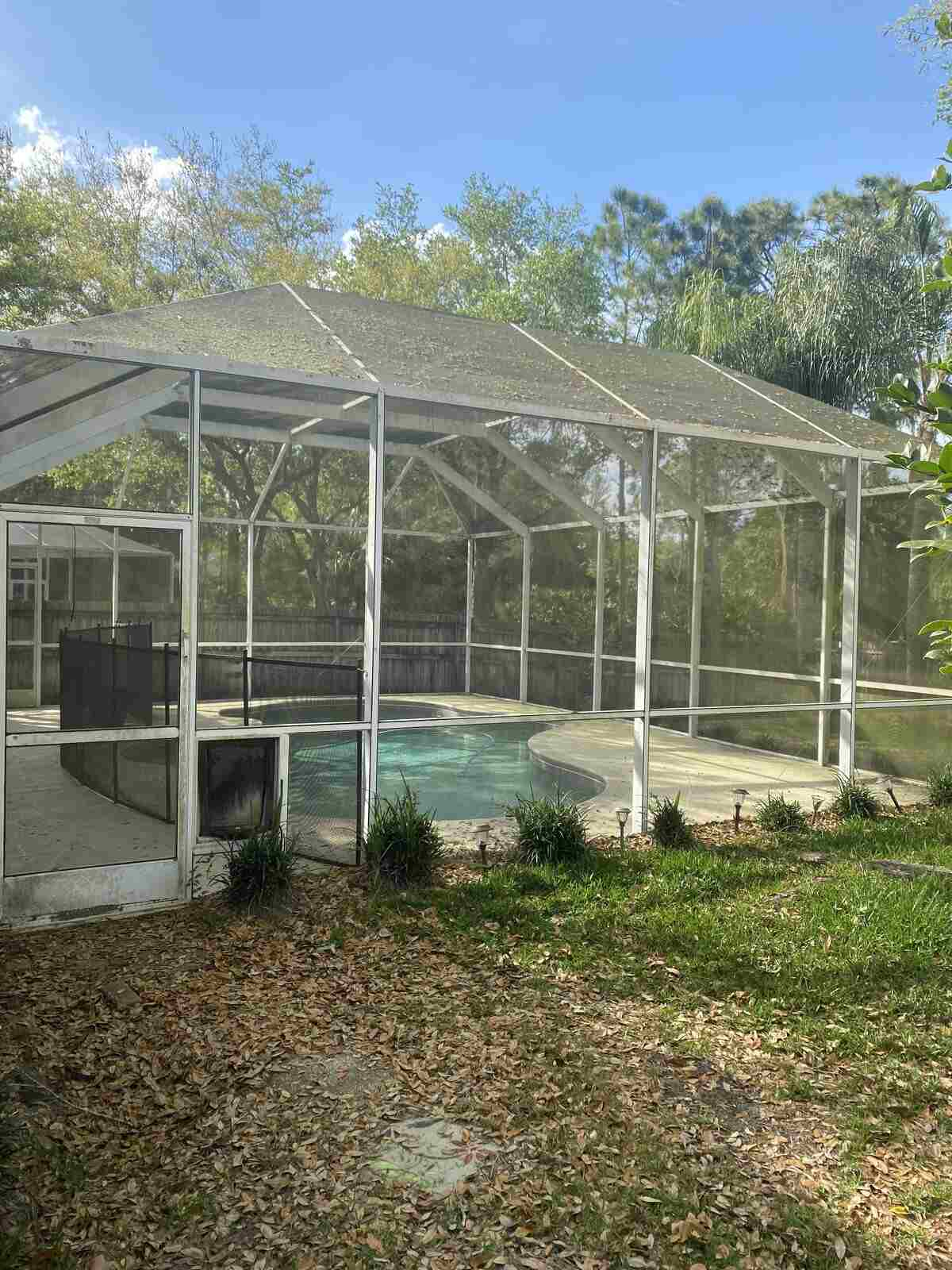 Pool cage